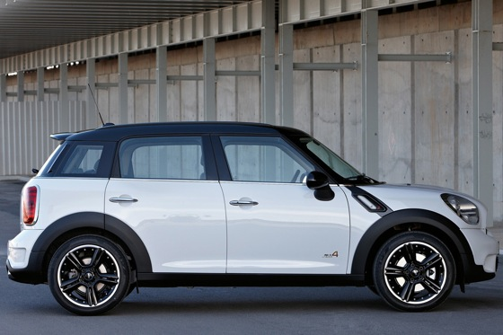 2011 Mini Cooper Countryman: Like a Mini, Only Bigger - New Car Review featured image large thumb30