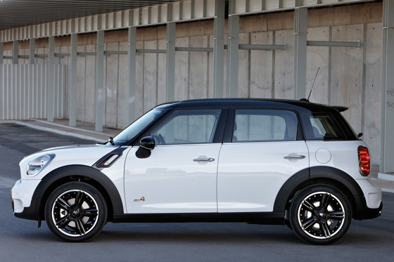 2011 Mini Cooper Countryman: Like a Mini, Only Bigger - New Car Review featured image large thumb31