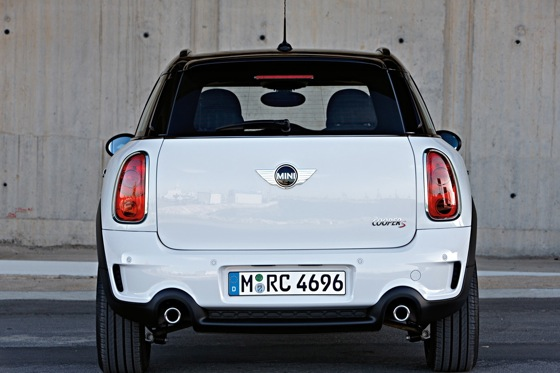 2011 Mini Cooper Countryman: Like a Mini, Only Bigger - New Car Review featured image large thumb32
