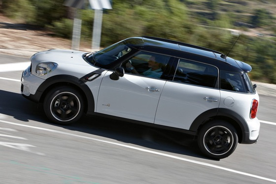 2011 Mini Cooper Countryman: Like a Mini, Only Bigger - New Car Review featured image large thumb41