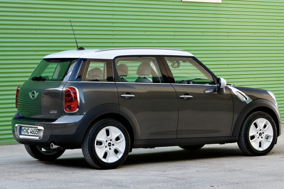 2011 Mini Cooper Countryman: Like a Mini, Only Bigger - New Car Review featured image large thumb5