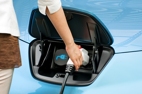 What to Expect When You Buy an Electric Vehicle featured image large thumb0