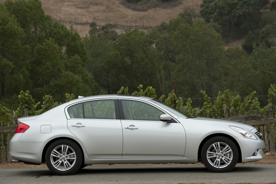 2011 Infiniti G25 - First Drive featured image large thumb2
