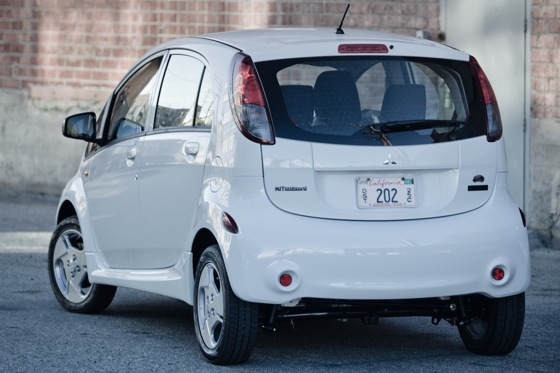 2012 Mitsubishi I-MiEV - Electric Benefits Meet Electric Anxiety featured image large thumb3