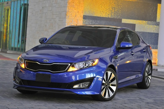 Kia Adds a Turbo Version to Optima Lineup featured image large thumb0