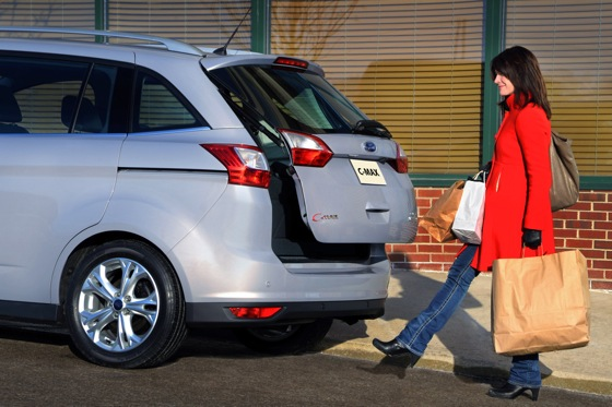 Ford's Focus C-Max Includes a Neat Rear-Gate Trick featured image large thumb0