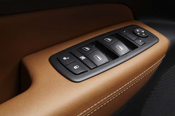 2011 Jeep Grand Cherokee - New Car Review featured image large thumb17