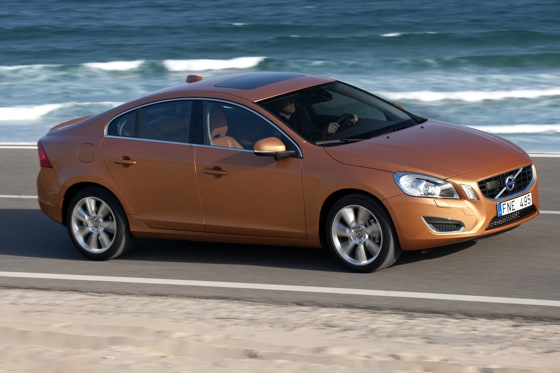 2011 Volvo S60 T6 - New Car Review featured image large thumb5