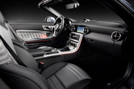 First Look at the 2012 Mercedes-Benz SLK Roadster featured image large thumb3