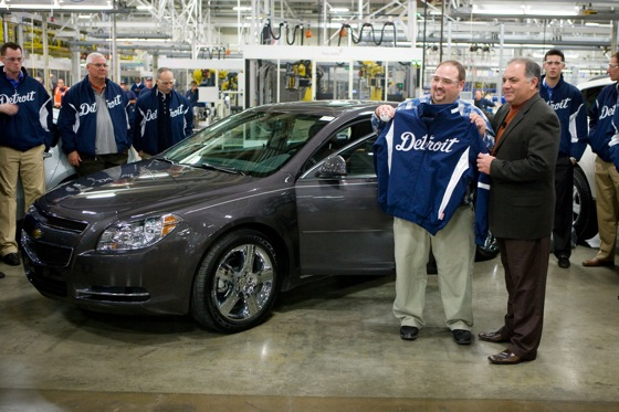 Chevy Gives New Malibu to Michigan Crash Victim featured image large thumb1