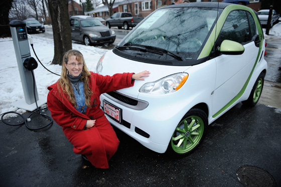 First Smart Electric Car Delivered to Army Major Mindy Kimball featured image large thumb0