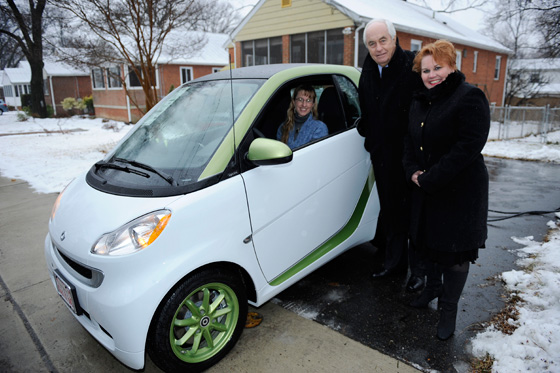 First Smart Electric Car Delivered to Army Major Mindy Kimball featured image large thumb2