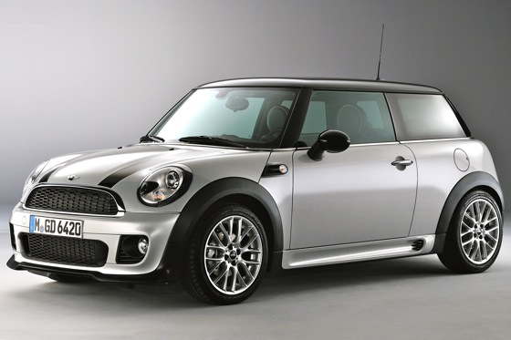 Mini Cooper Works Gets Sporty New Features featured image large thumb0