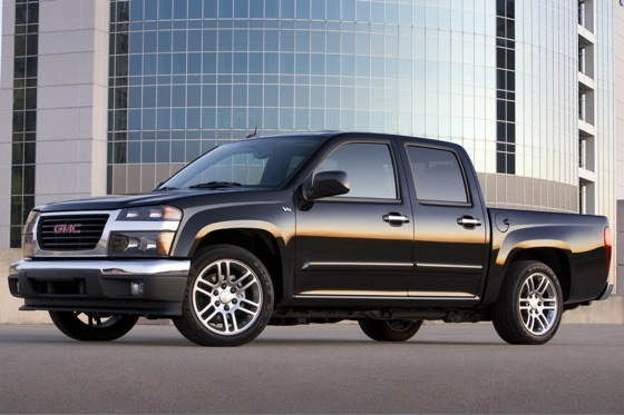 GM May Revamp Chevy Colorado and GMC Canyon Midsize Trucks featured image large thumb0