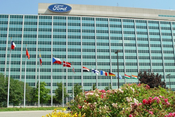For First Time, Ford Tops Chevy in Number of U.S. Dealers featured image large thumb0
