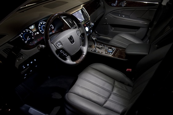2011 Hyundai Equus - New Car Review featured image large thumb9