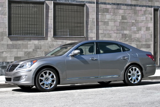 2011 Hyundai Equus - New Car Review featured image large thumb5