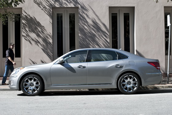 2011 Hyundai Equus - New Car Review featured image large thumb6