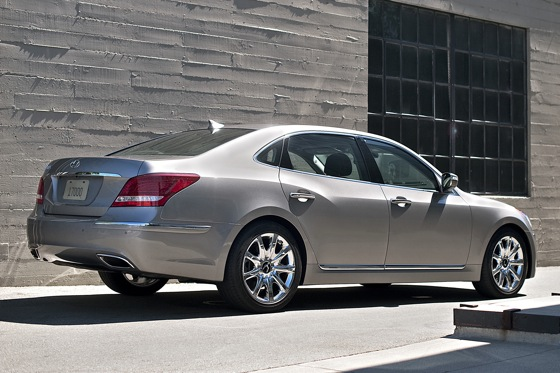 2011 Hyundai Equus - New Car Review featured image large thumb7