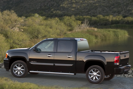 2007 - 2010 GMC Sierra 1500 - Used Car Review featured image large thumb1