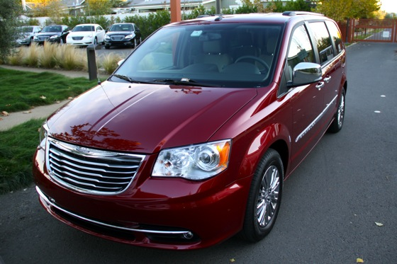 2011 Chrysler Town & Country First Drive: Minivan to the Max featured image large thumb0