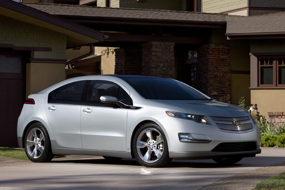 GM Upset Over Volt Ranking in Green Book featured image large thumb0