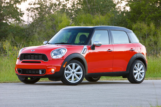 Mini Countryman Ranked Top Safety Pick by IIHS featured image large thumb0