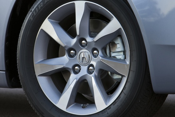 2012 Acura TL First Look: Refreshing Design Changes featured image large thumb21