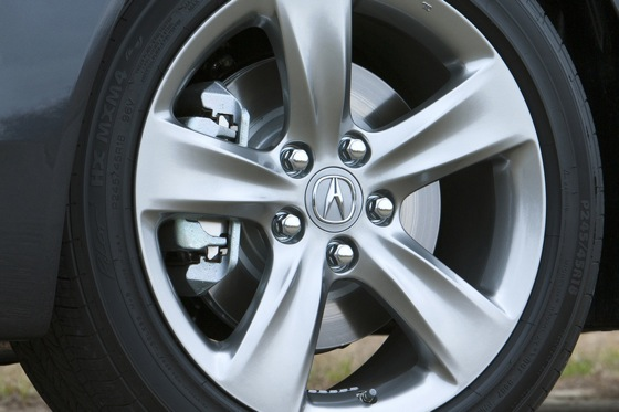 2012 Acura TL First Look: Refreshing Design Changes featured image large thumb22