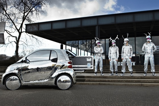 Smart fortwo Dresses Up for St. Patrick's Day featured image large thumb3