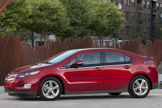 2011 Chevrolet Volt - New Car Review featured image large thumb2