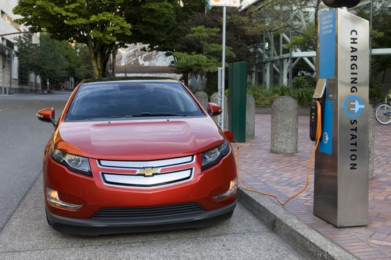 2011 Chevrolet Volt - New Car Review featured image large thumb6