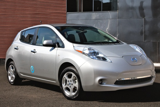 Status, Fuel Savings and Politics Drive Early EV Adopters featured image large thumb0