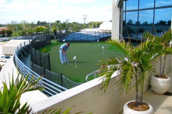 Lexus Dealer Builds a 9-Hole Golf Course on its Roof featured image large thumb1