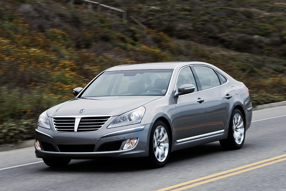 2011 Hyundai Equus Named Top Safety Pick featured image large thumb0