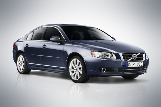 Volvo Upgrades 2012 Models with New Tech featured image large thumb2