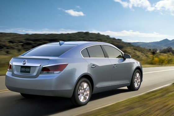 2012 Buick LaCrosse Gets Standard Hybrid featured image large thumb0