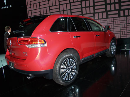 The 2011 Lincoln MKX features a completely revamped interior including more dynamic interaction with the computer