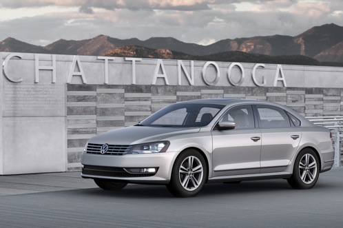 2012 Volkswagen Passat - 2011 Detroit Auto Show featured image large thumb0