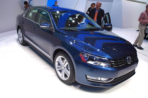 2012 Volkswagen Passat - 2011 Detroit Auto Show featured image large thumb1