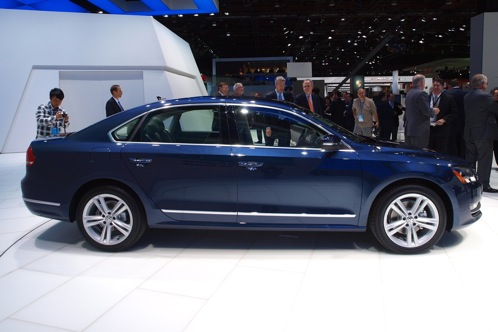 2012 Volkswagen Passat - 2011 Detroit Auto Show featured image large thumb2
