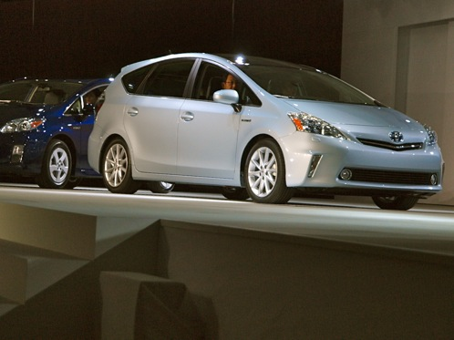 Toyota Prius V - 2011 Detroit Auto Show featured image large thumb0