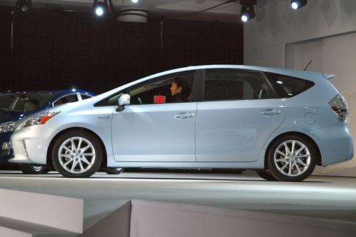 Toyota Prius V - 2011 Detroit Auto Show featured image large thumb1
