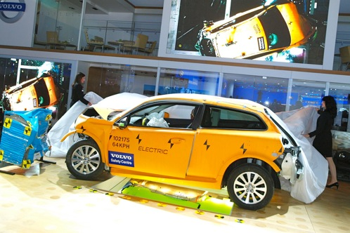 Crashed: Volvo C30 Electric - 2011 Detroit Auto Show featured image large thumb2