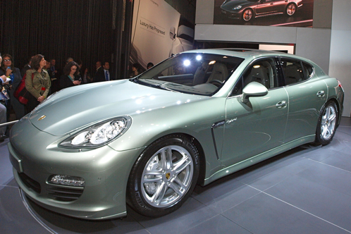 2012 Porsche Panamera Turbo S and S Hybrid - New York Auto Show featured image large thumb0