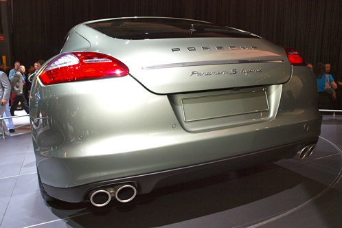 2012 Porsche Panamera Turbo S and S Hybrid - New York Auto Show featured image large thumb1