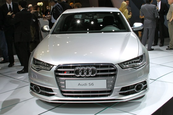 2013 Audi S6 - LA Auto Show featured image large thumb3
