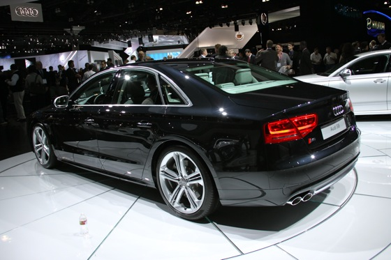2013 Audi S8 - LA Auto Show featured image large thumb4