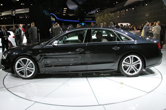 2013 Audi S8 - LA Auto Show featured image large thumb5