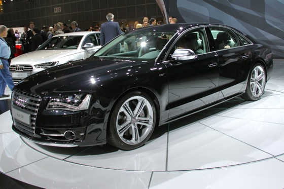 2013 Audi S8 - LA Auto Show featured image large thumb6